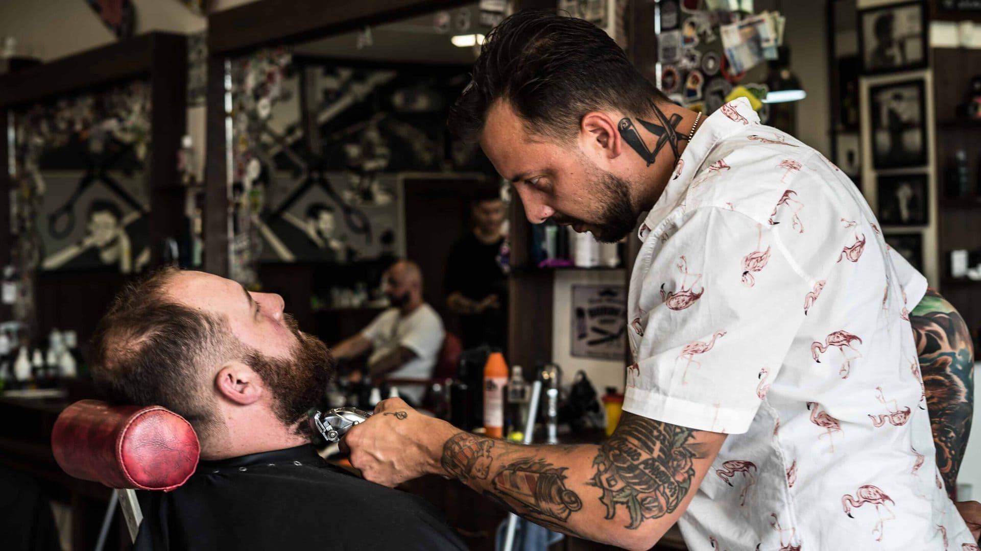 Holič a barber - Alessandro