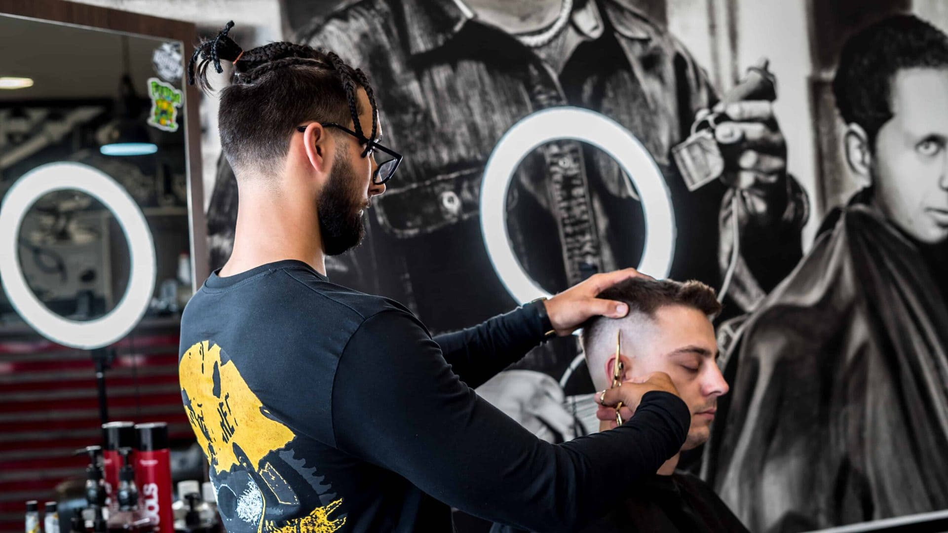 Holič a barber - Simon